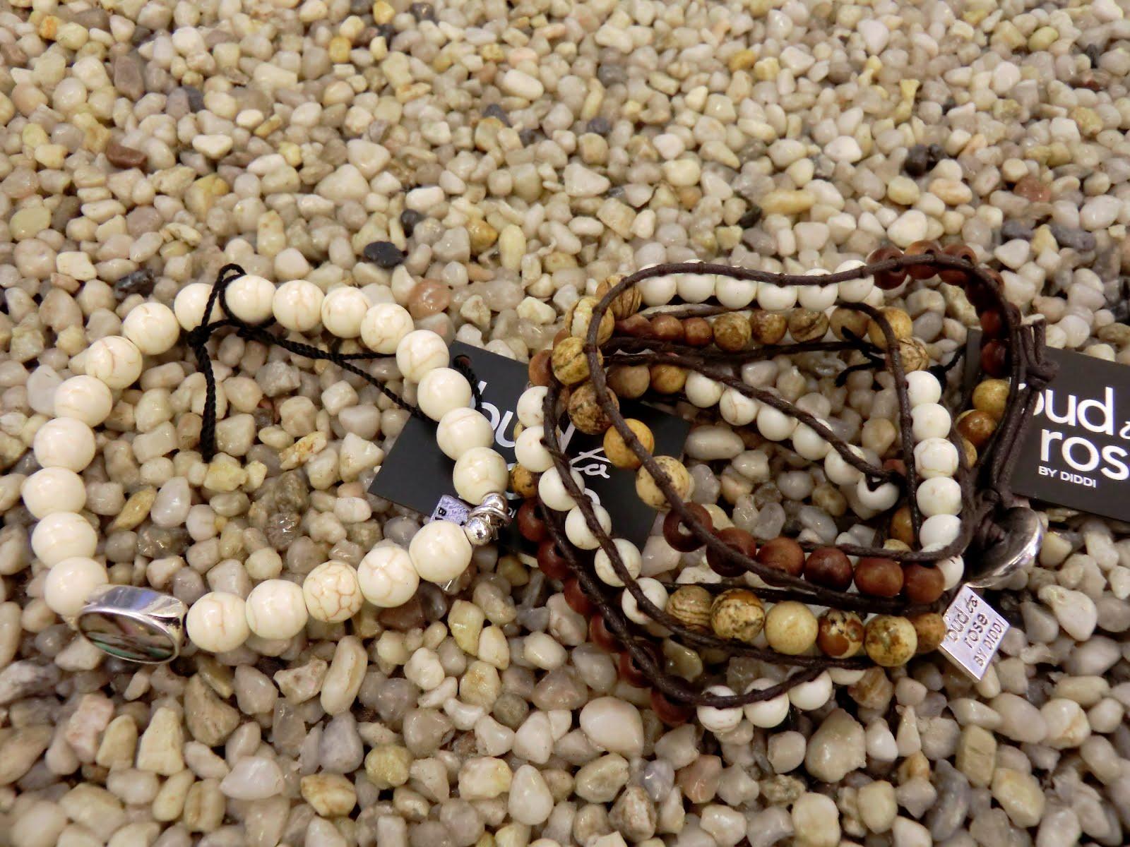 Fina riktigt somriga armband att matcha till från 199 - Daniella. Upplagd  av Soulsisters ... be99b9bb3b9a3