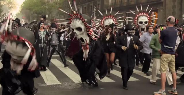 007 スペクター 死者の日のパレード