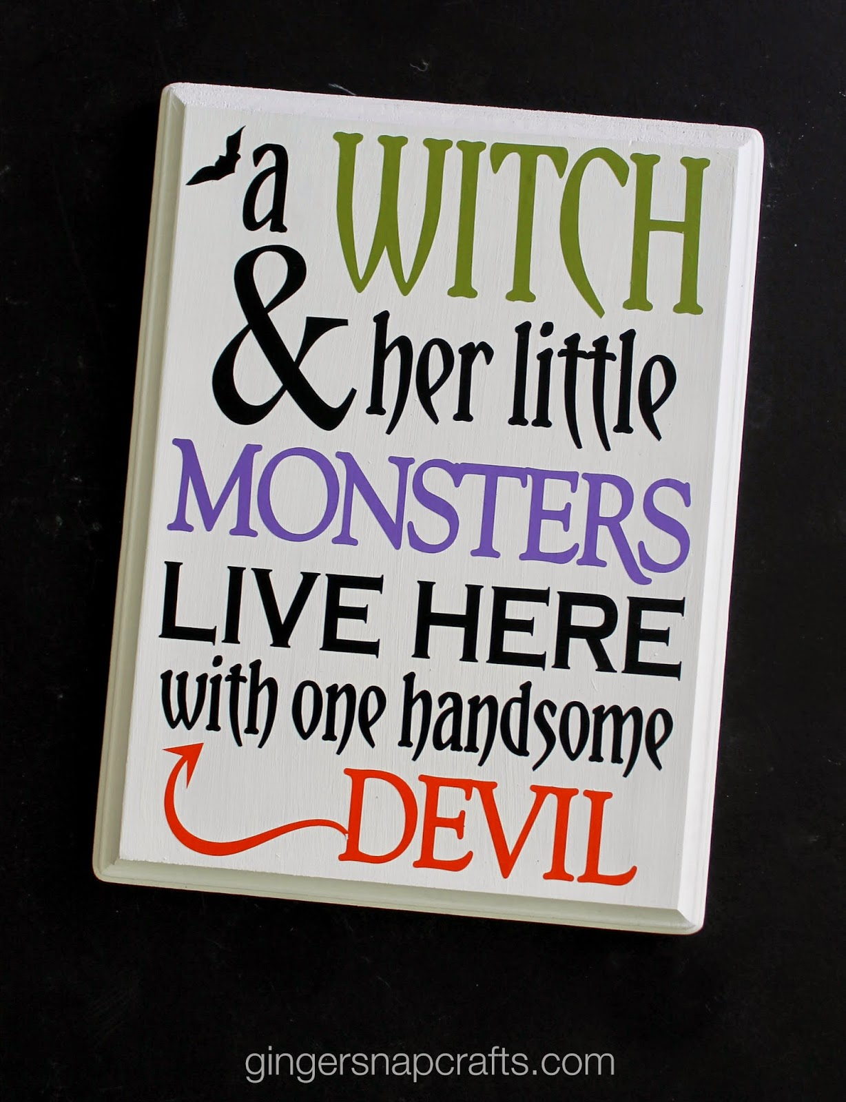ginger snap crafts diy halloween sign with happy crafters