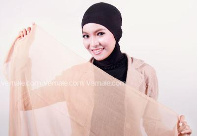 Cara Memakai Jilbab Paris Polos Sederhana