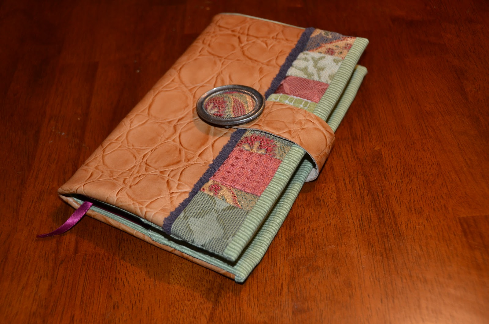 Book Of Mormon Fabric Cover Tutorial ~ Theartgirljackie tutorials making a bible cover