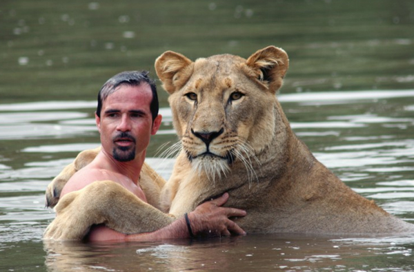 Kevin Richardson and his lion family