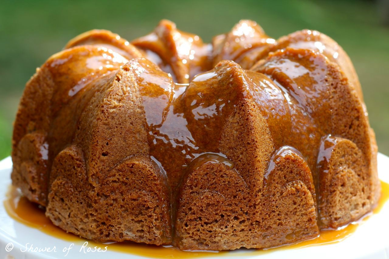 Shower Of Roses A Simple Caramel Applesauce Crown Cake