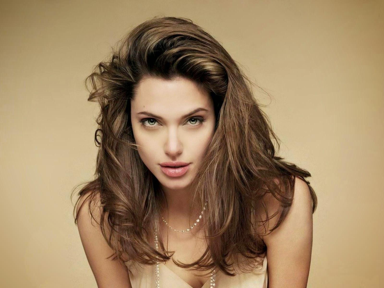 Angelina Jolie Shoe Size