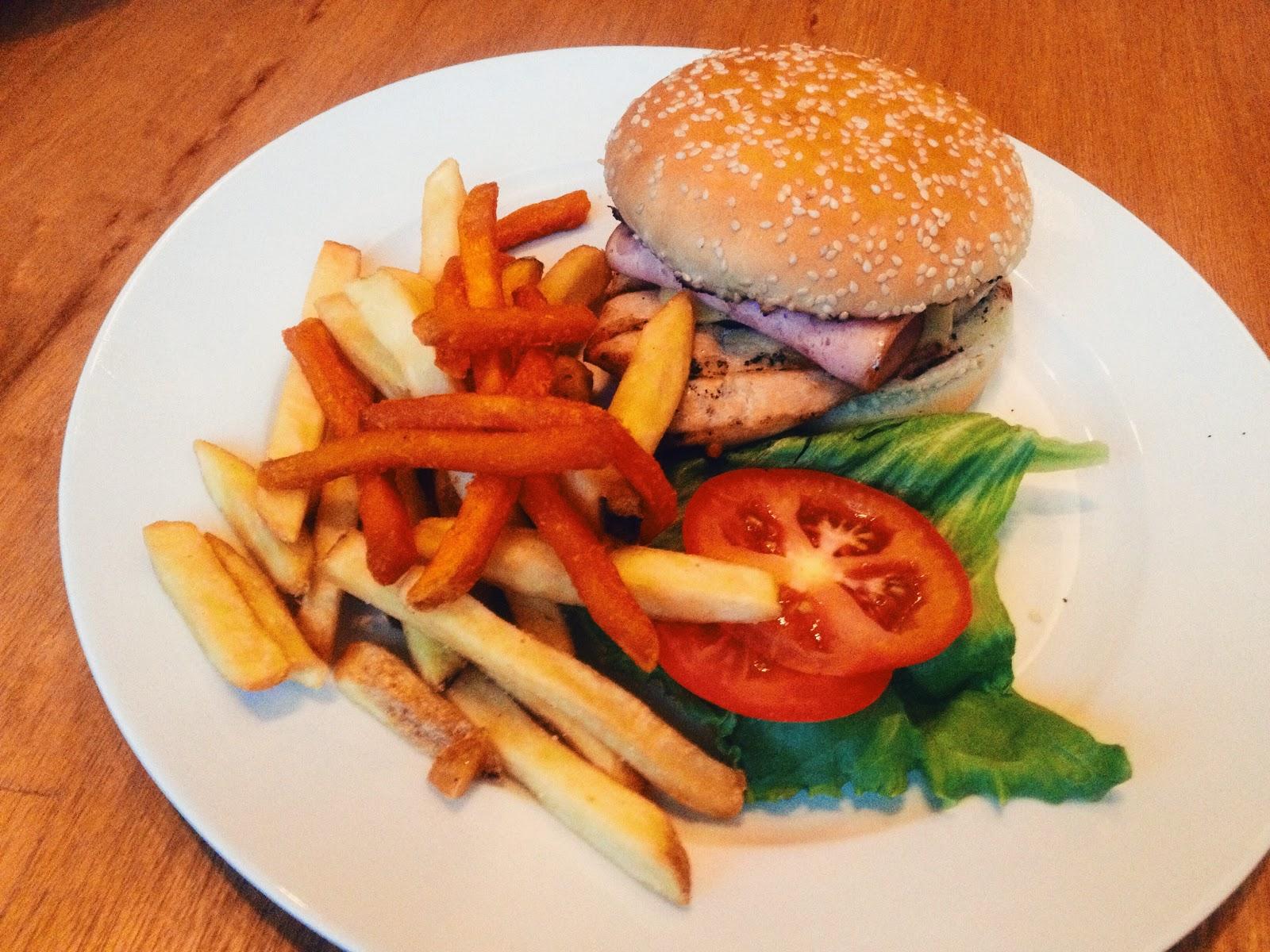 Chicken Burger - Bob's Kitchen @ Danga Utama, Johor Bahru, Johor, Malaysia