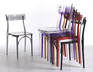 Riflessioni di una lady semiseria sedie da soggiorno for Tavolo legno con sedie colorate