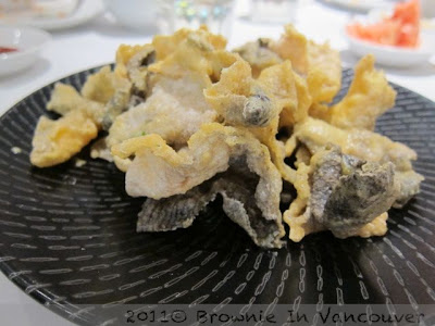Deep Fried Salmon Skin Coated with Salted Egg