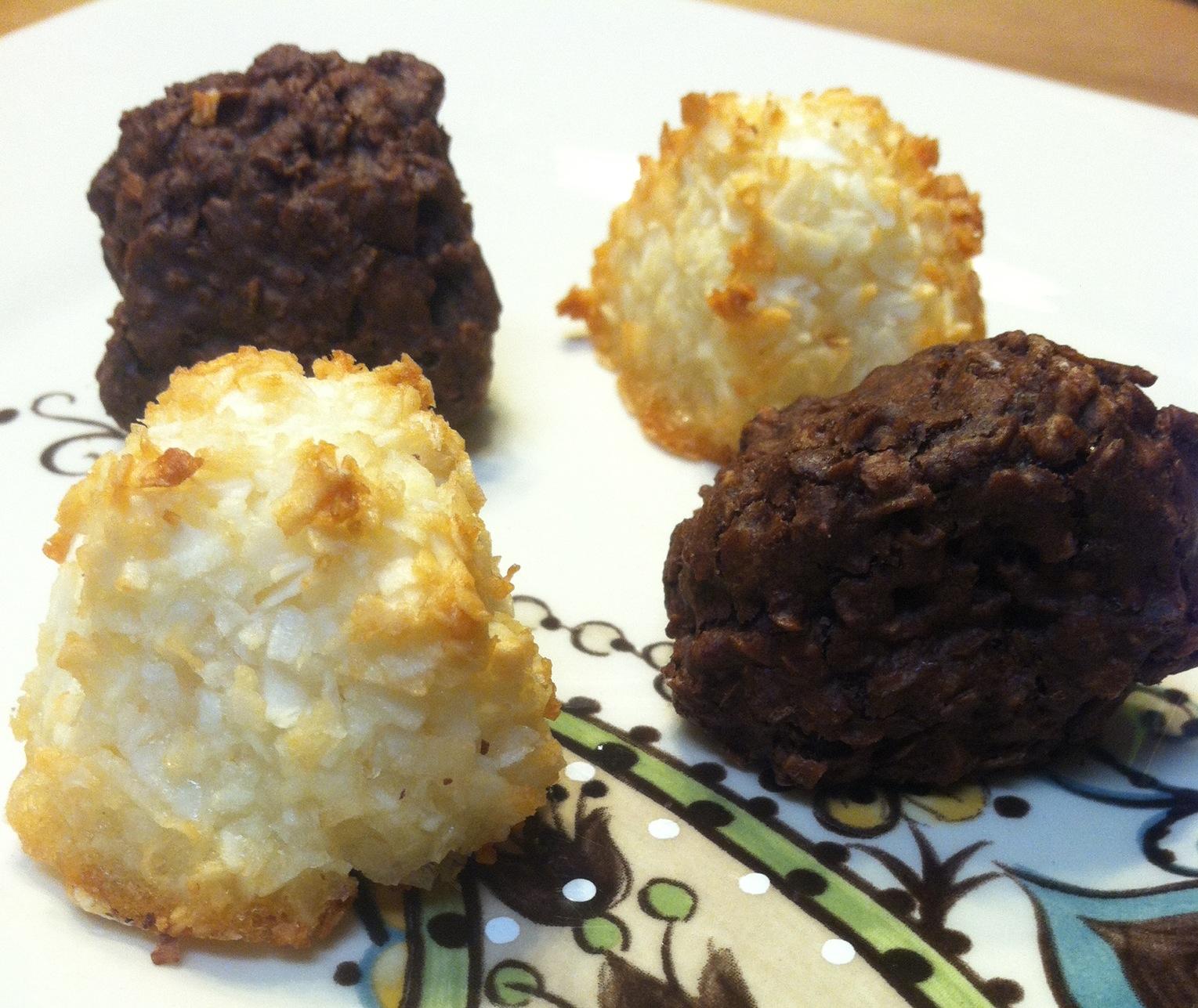 What S Good At Trader Joe S Trader Joe S 6 Chocolate 6 Vanilla Coconut Macaroons