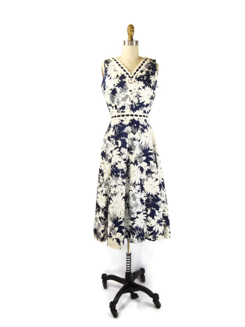 tori richards honolulu navy blue and white dress