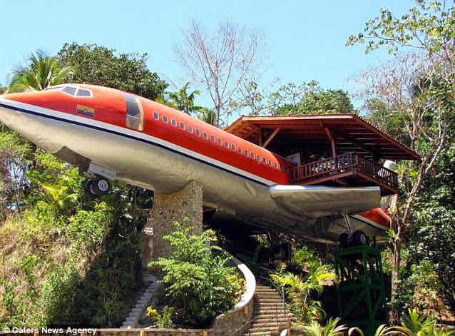 Bangkai Pesawat Diubah Menjadi Hotel Mewah