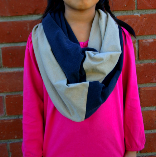 Upcycle t-shirt infinity scarf