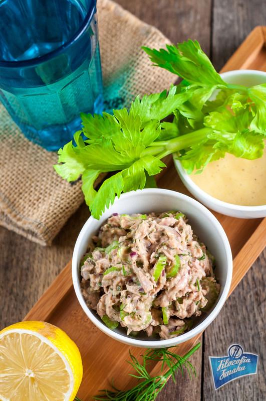 Przepis na szybką sałatkę z tuńczyka w puszce