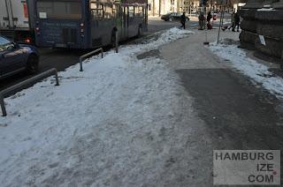 """Winterdienst: """"Geräumter Radweg"""" Gorch-Fock-Wall / Stephansplatz"""