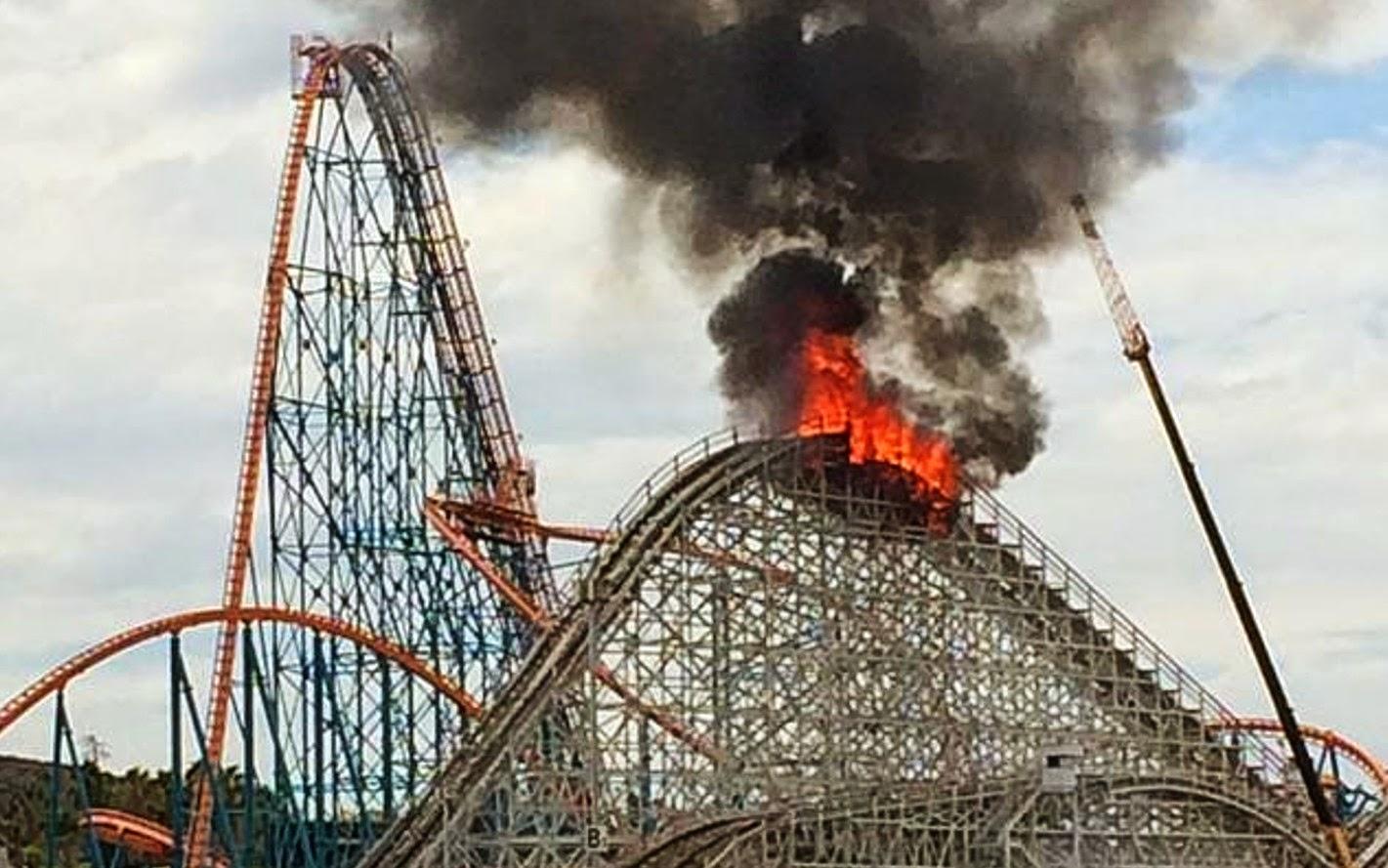 PARKS Trip Une montagne russe prend feu à Six Flags Magic  ~ Montagne Russe En Bois