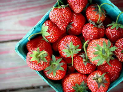How to Make Strawberry Skin Moisturizer