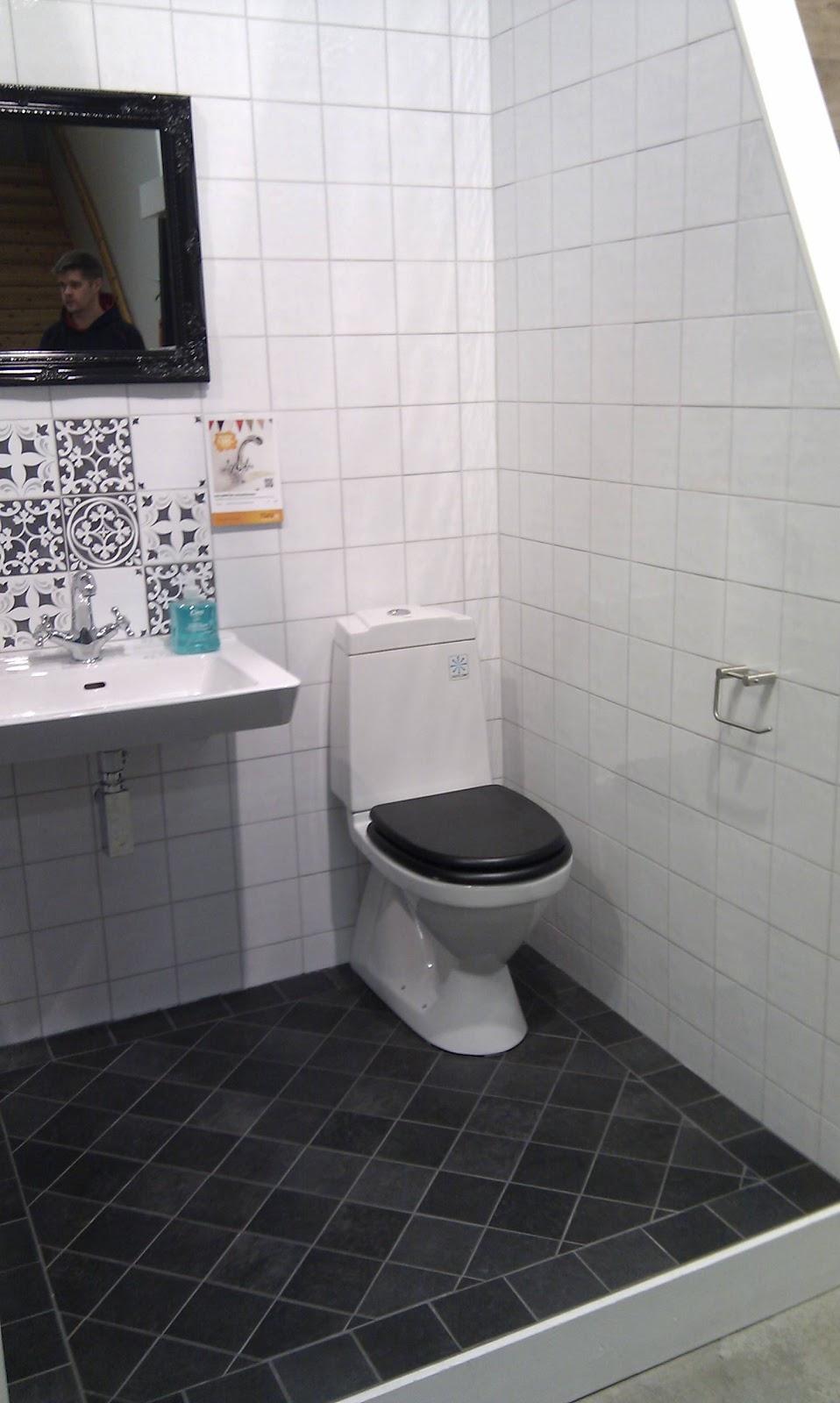 Erikslundsgatan: val av kakel o klinker till badrummet nere