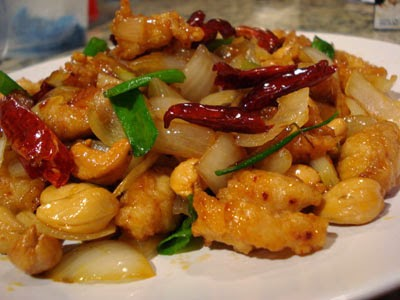 Chicken with Cashew Nuts - Thai Cooking Classes with Easy Day Thailand