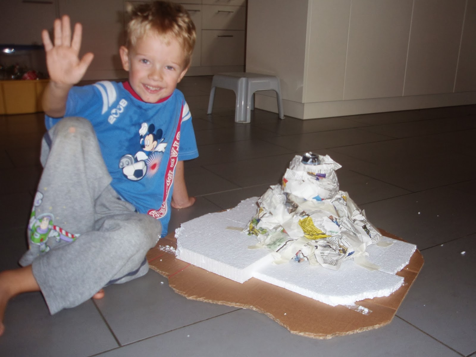 how to make a volcano model out of paper mache