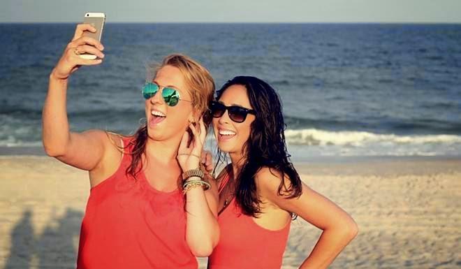 wanita selfie