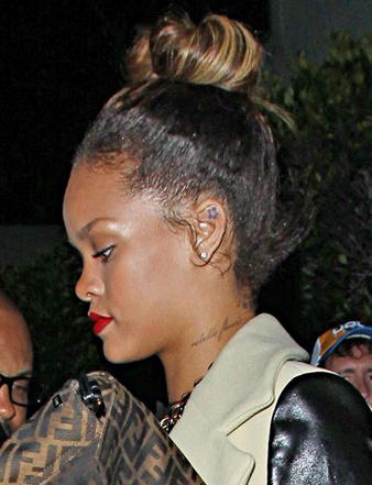Rihanna gergin tepe topuz saç modeli
