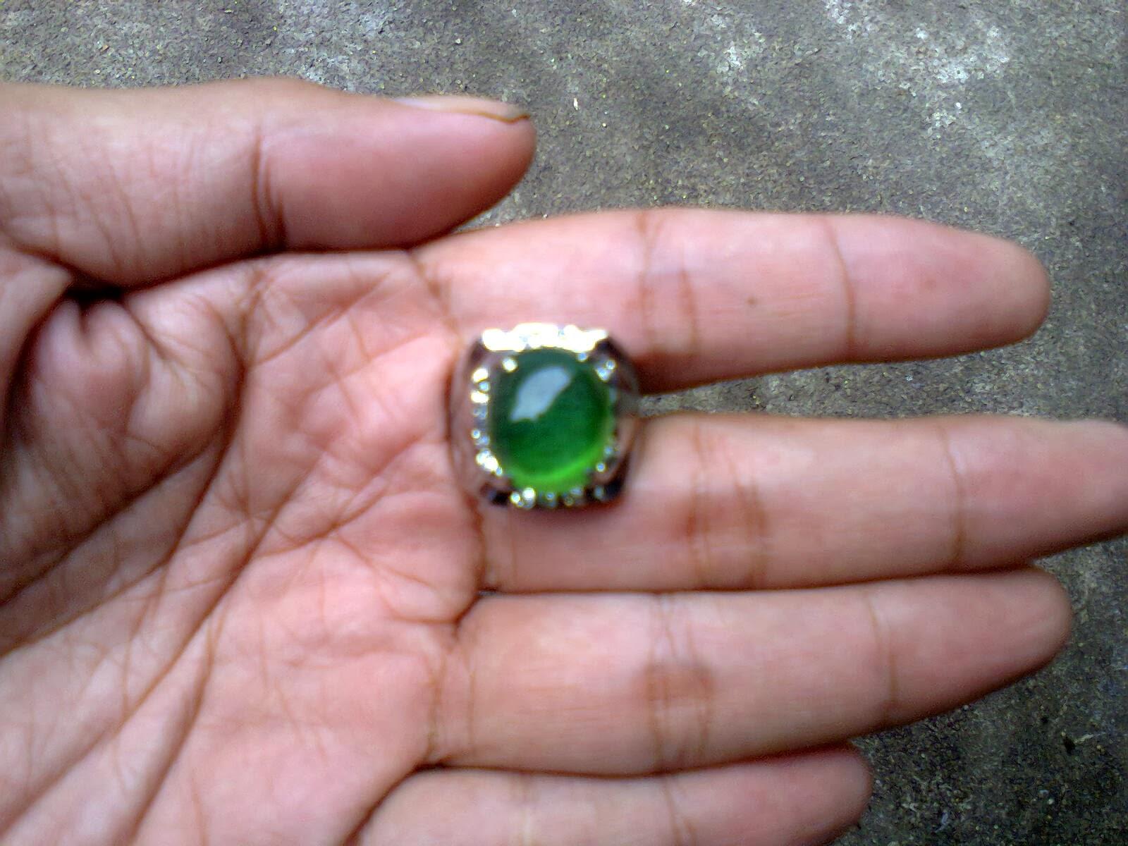 Batu Zamrud Kalimantan (Banjar)