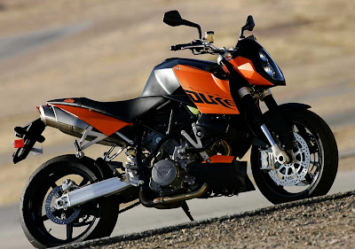 New KTM Bajaj Duke 200cc Bike Features, Review & Price In India
