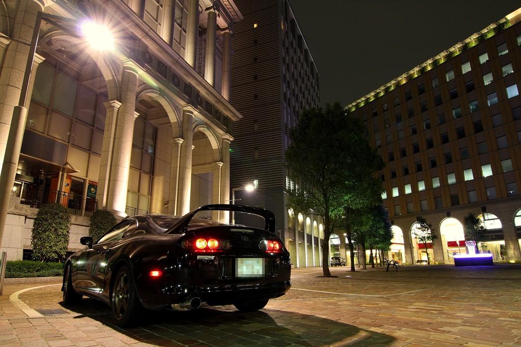 Toyota Supra JZA80 MK4, auta w nocy, japoński sportowy samochód, twin turbo, legenda, ciekawe coupe, popularne, znane, tuning, modyfikacje, zdjęcia