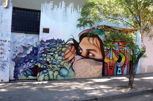 street art santiago de chile bellavista arte callejero izak