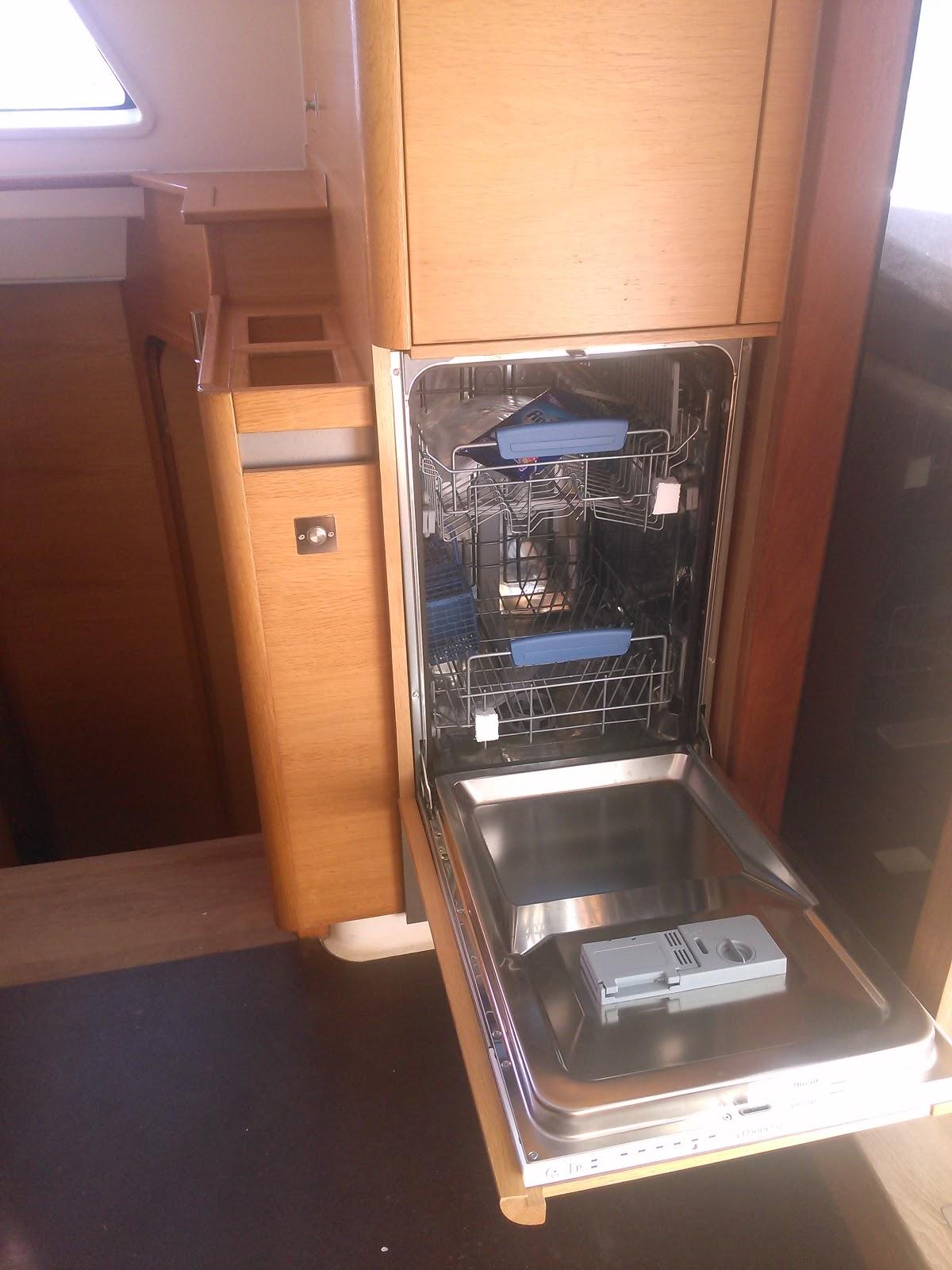 En voyage sur un catamaran pr paration du bateau chapitre 2 - Lave vaisselle petit format ...