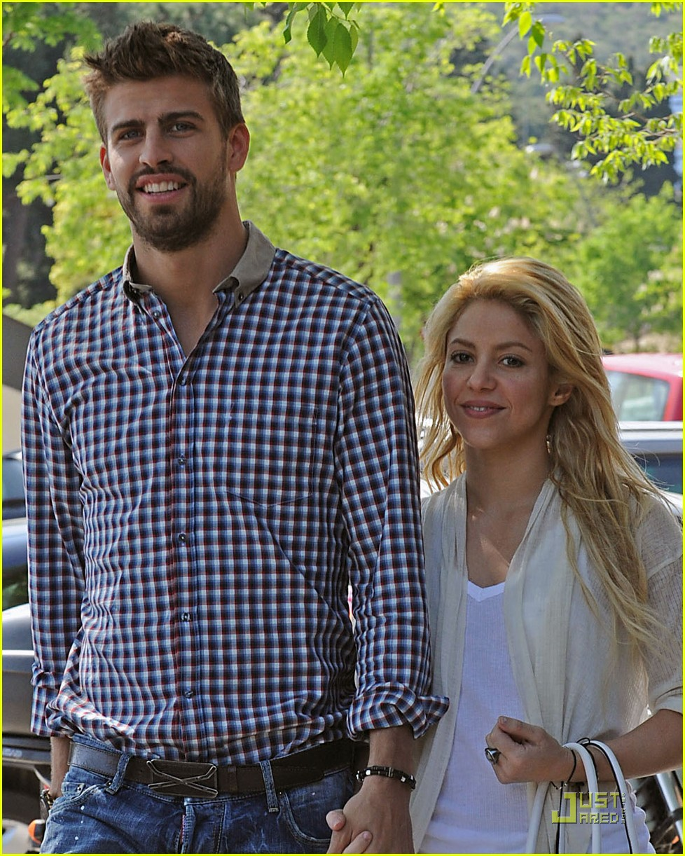 Is shakira dating gerard pique