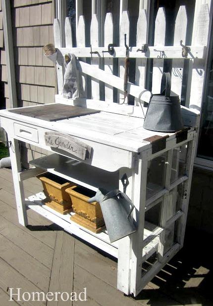 DIY-potting-bench-with-castors www.homeroad.net