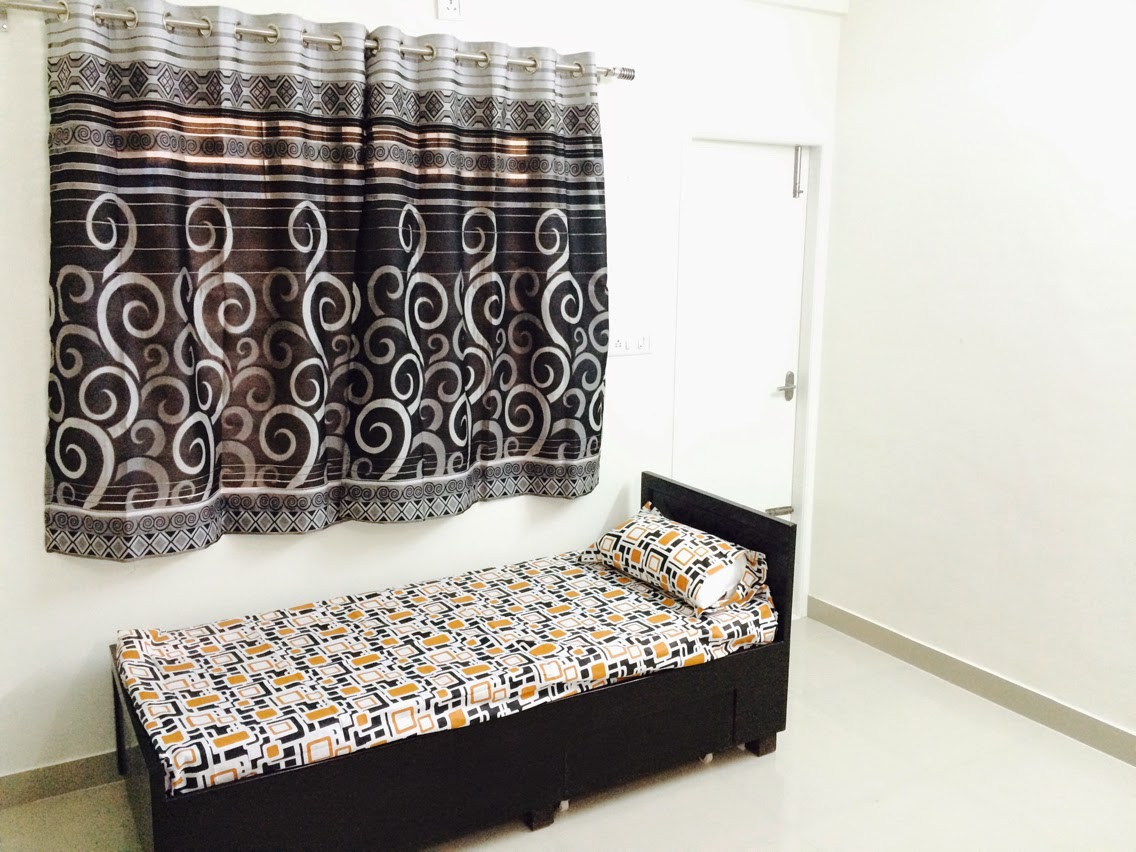 R R Homestay Premium Guest House For Men With Ac Rooms