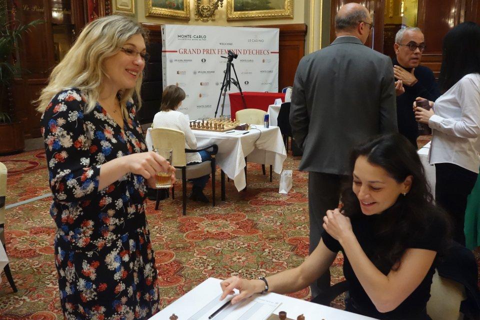 Almira Skripchenko et Alexandra Kosteniuk au Grand Prix Féminin d'échecs de Monaco - Photo © site officiel
