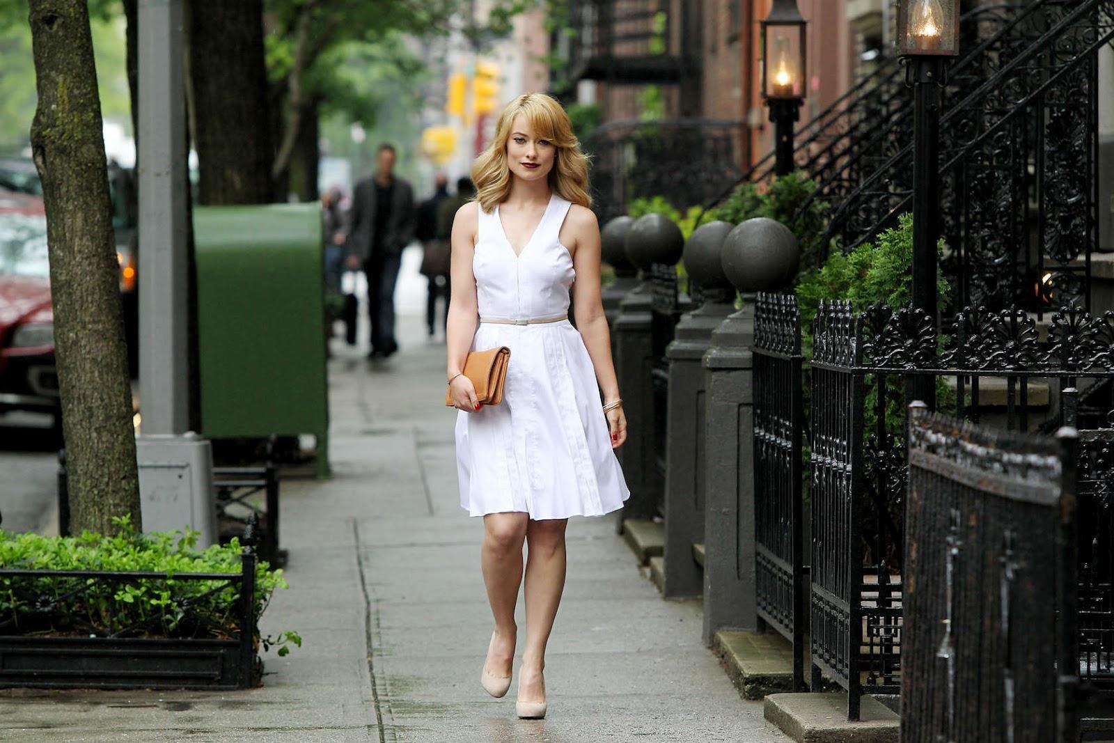 http://1.bp.blogspot.com/-xjJZmZMKeZ8/T6WCQLv_OUI/AAAAAAAAESU/5ZNedNRt_4g/s1600/OLIVIA-WILDE-Revlon-commercial-NY-09.jpg