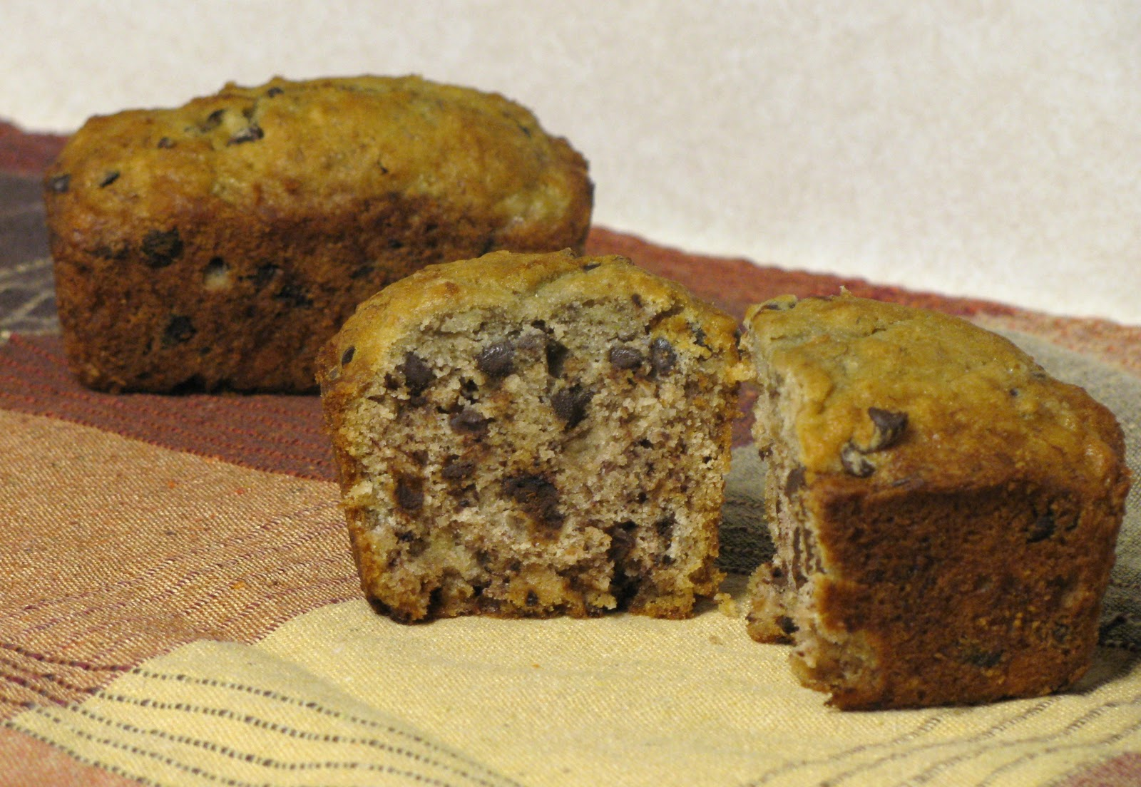 chocolate chip muffins petite chocolate chip banana bread loaves