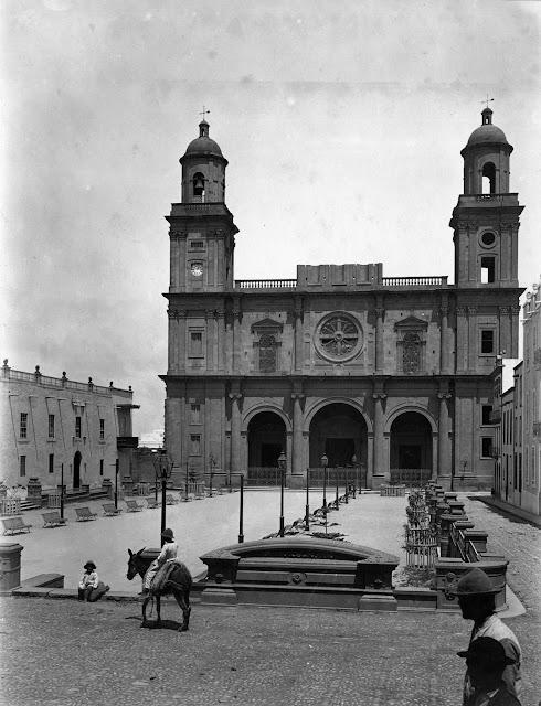 Imagen nº25072 propiedad del archivo de fotografía histórica de la FEDAC/CABILDO DE GRAN CANARIA. Realizada por D. Luis Ojeda Pérez entre 1890 y 1895.