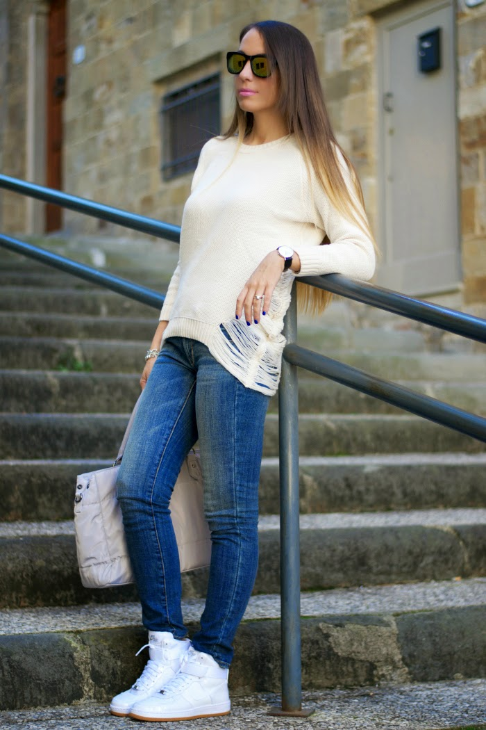 outfit casual jeans e maglione