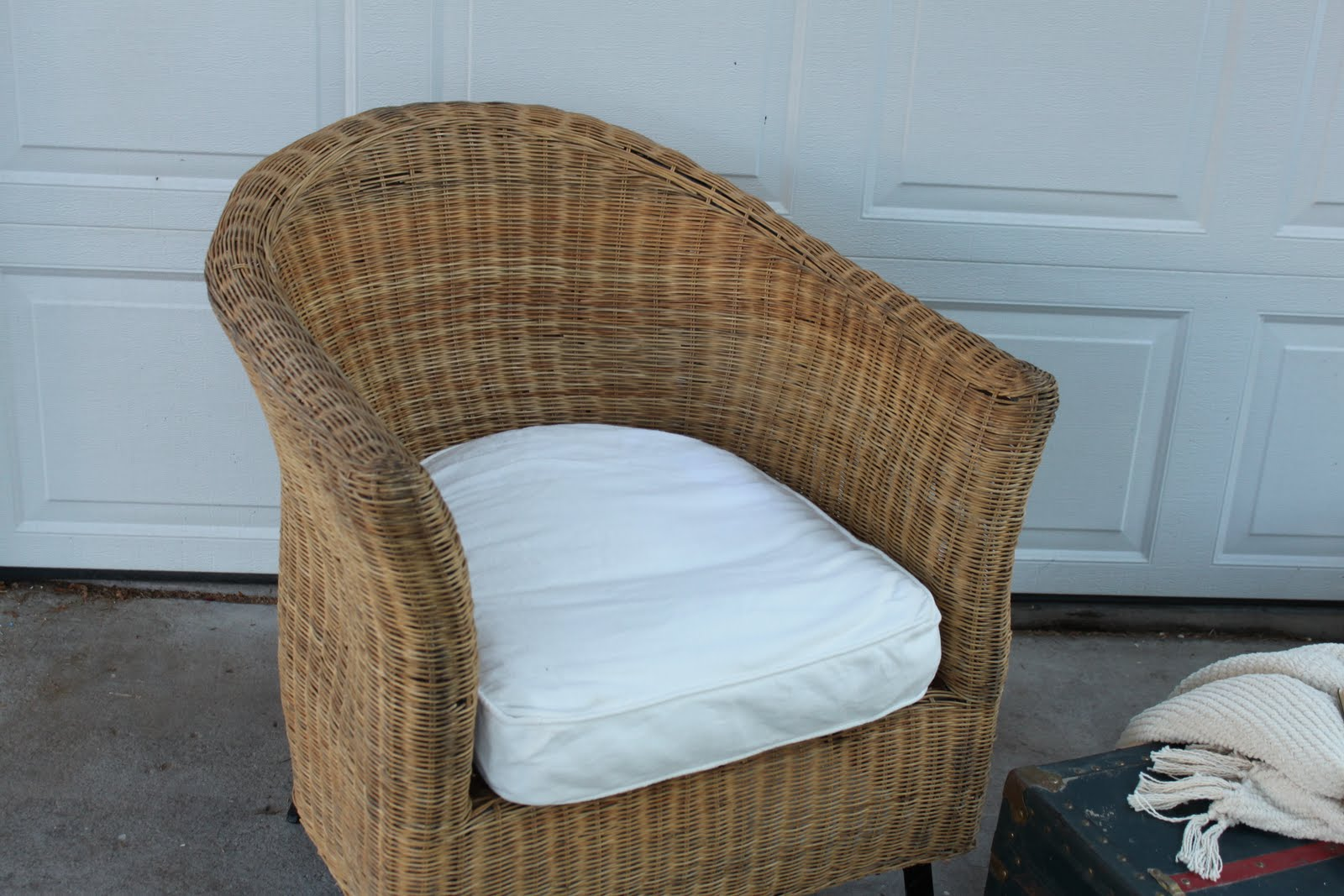 pier 1 wicker chair submited images