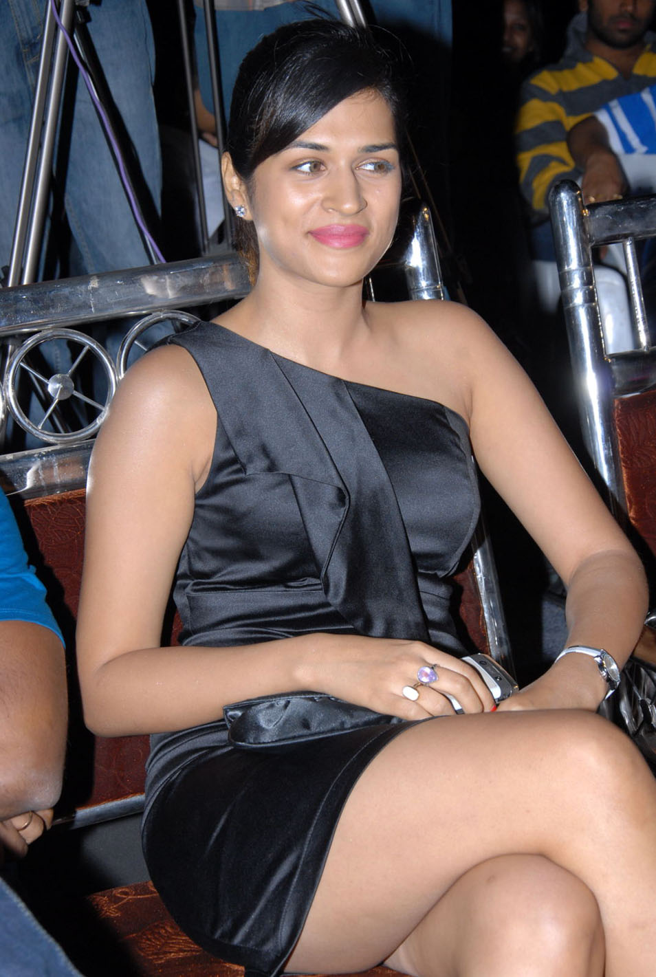 shraddha das new at mem vayasuku vacham movie audio launch