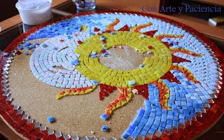 http://conarteypaciencia.blogspot.com.es/2013/07/mesa-de-teselas-y-forja.html