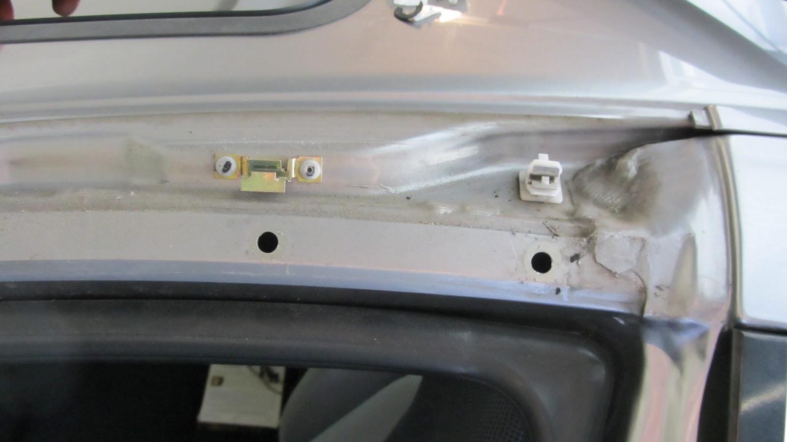Honda Insight Wet Seat Belt