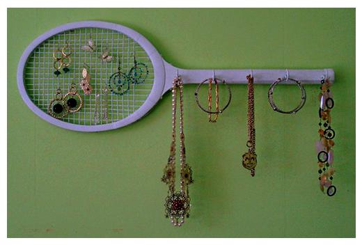 Lara garabatea diy 12 formas de organizar tus complementos - Como colgar collares ...