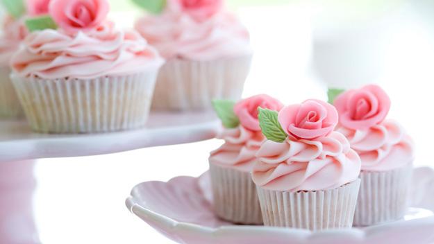 Cupcake Decorating Ideas For High Tea : HOUSE OF STEFAN: Perfect High Tea