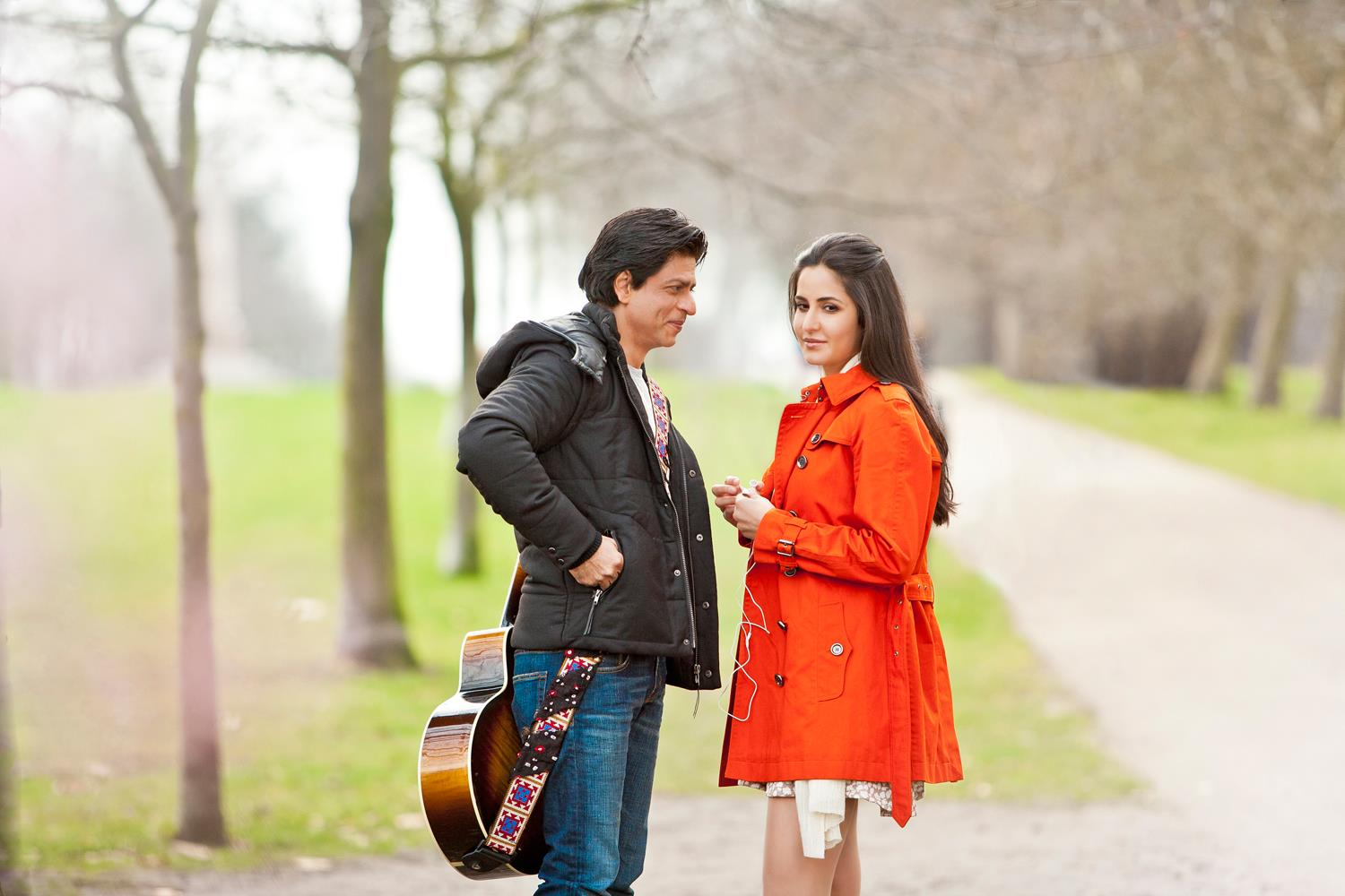 http://1.bp.blogspot.com/-xkfxc52_uy0/T1ZOo7cm5wI/AAAAAAAAElg/en6z_wYGRDY/s1600/Beautiful-Katrina-Kaif-and-Shah-Rukh-Khan-exclusive+image+from+Yash+Chopra%27s+next+untitled+project-images.jpg