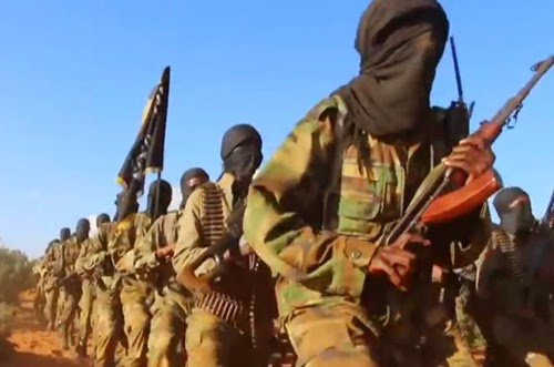 Al Shabaab fighters training in Somalia (Screen capture from YouTube video)
