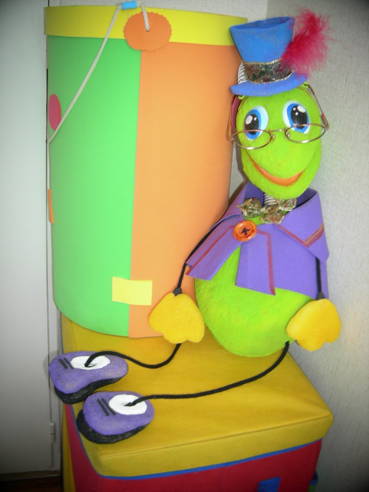 Arte gabrielle tallado de goma espuma marioneta de mano - Goma espuma manualidades ...