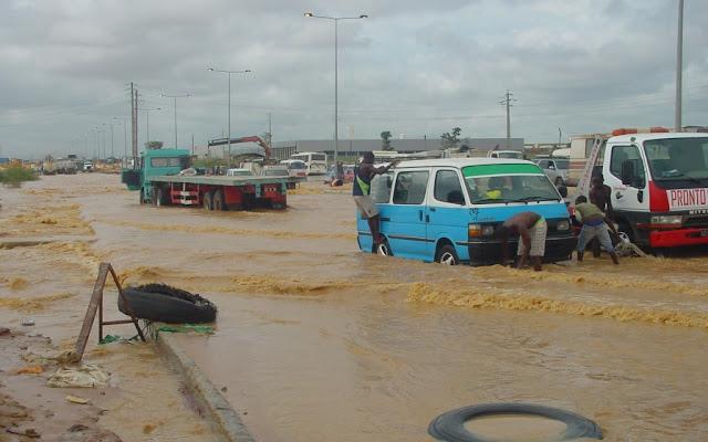 Angola: LAGOA DO CAPALANGA – A FATURA APARECE SEMPRE