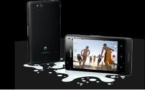 Sony Xperia tipo - memiliki dimensi 103 x 57 x 13 milimeter dan berat sekitar 99.4 gram. Dibagian depan, terdapat layar sentuh kapasitif seluas 3.2 inci beresolusi 320 x 480 piksel.  Sony Xperia tipo sudah menggunakan  Android versi 4.0.3 Ice Cream Sandwich (ICW) dan mengandalkan prosesor 800 MHz dan RAM 512 MB dan  dukungan 3G HSDPA berkecepatan 7.2 Mbps dan HSUPA berkecepatan 5.76 Mbps serta WiFinya. Untuk penyimpanan data, Sony Xperia tipo telah dibekali memori internal berkapasitas 2.9 GB dan microSD Upto 32GB.