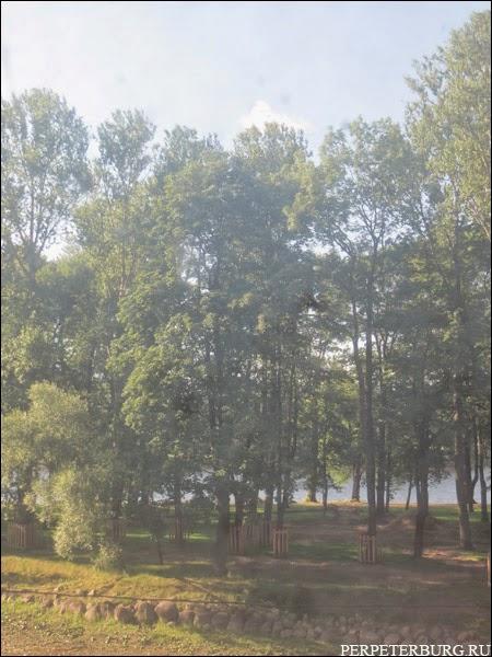 Фото Лопухинского сада, он же сад Дзержинского, во время капремонта