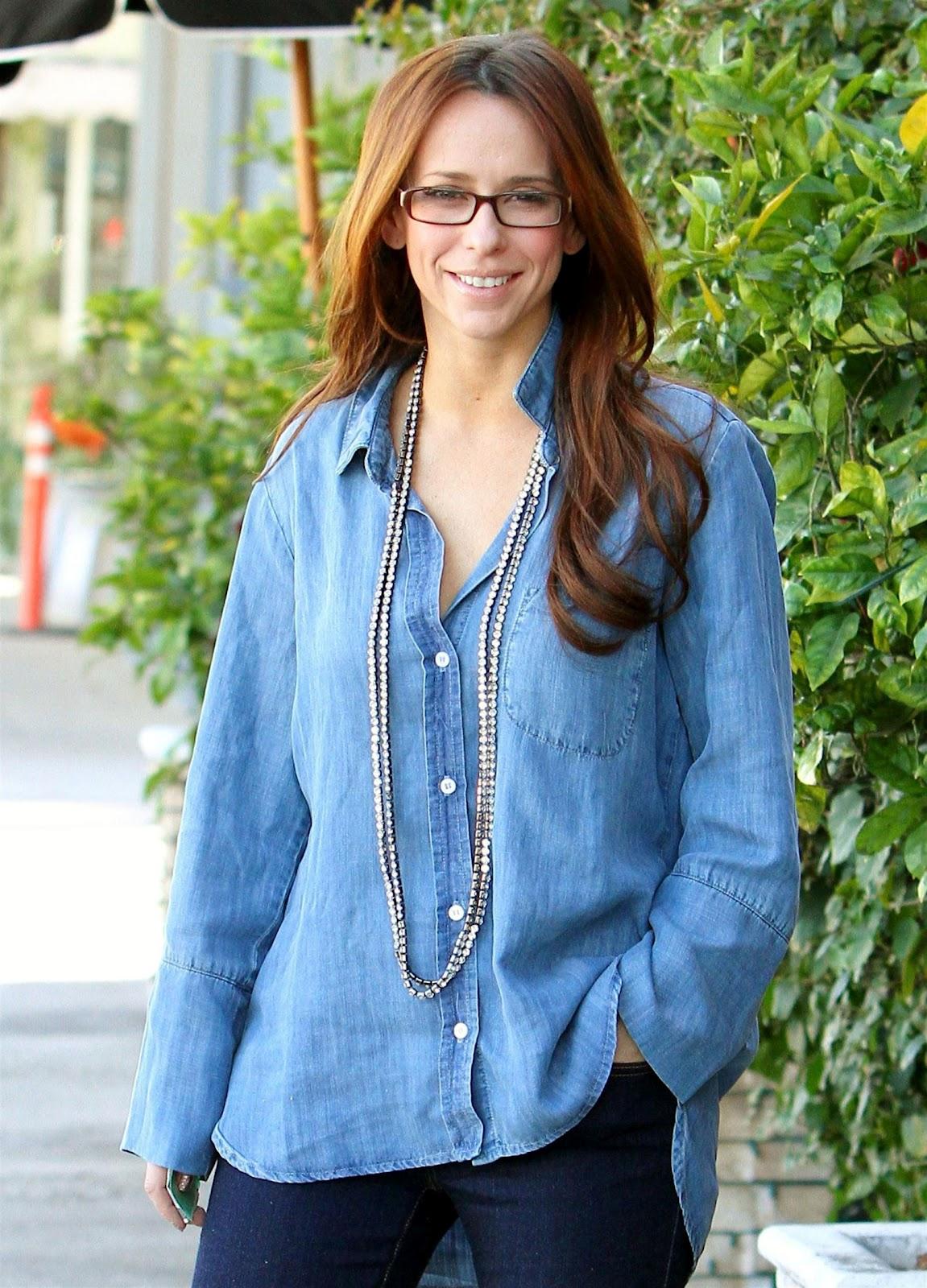 http://1.bp.blogspot.com/-xlAlhEom538/T4TqB1_nakI/AAAAAAAARQM/hiHtTPmNj7M/s1600/Jennifer+Love+Hewitt-5.jpg